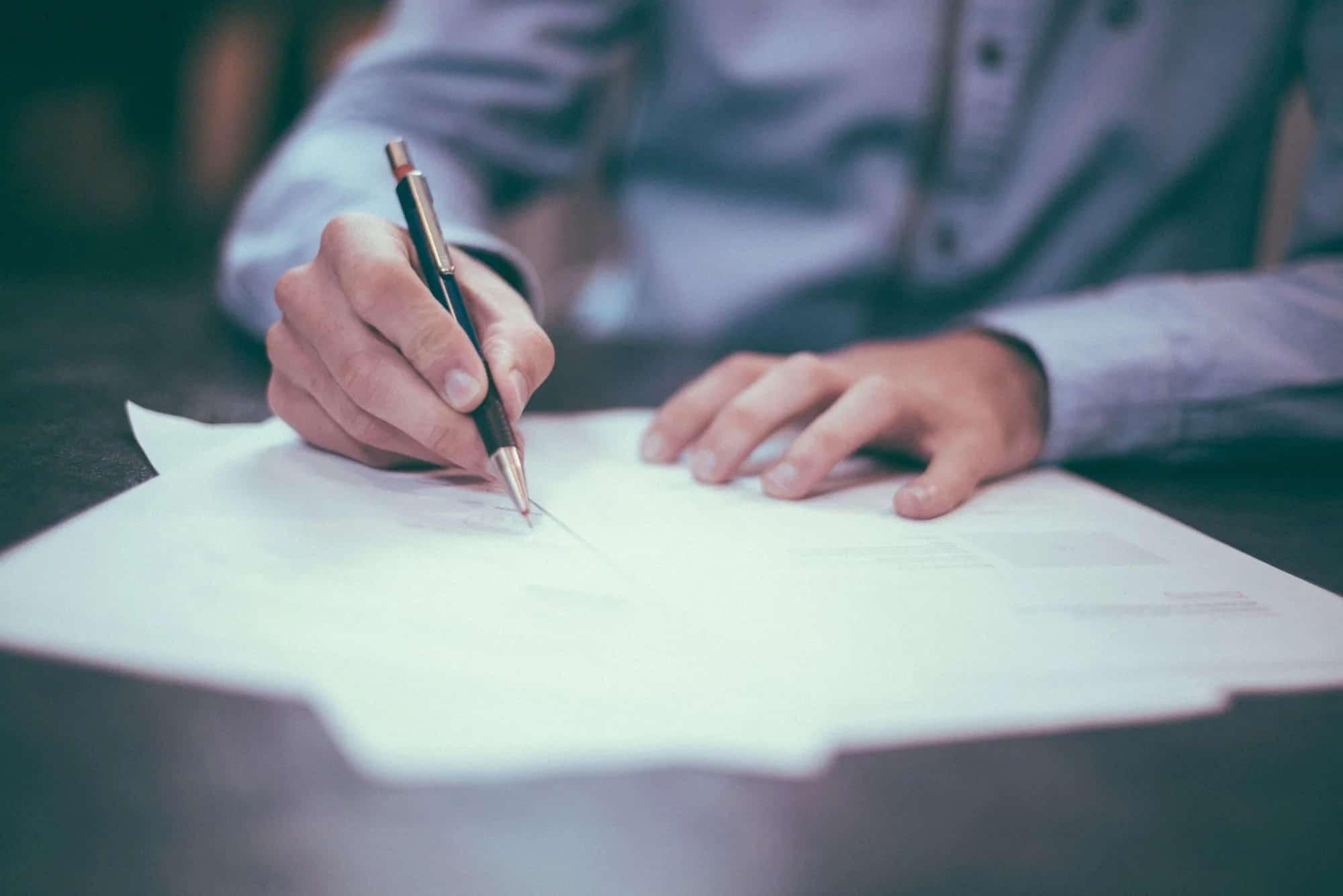 """ביטול פגרת בתי המשפט – פתרון קוסמטי לבעיה כאובה, ד""""ר אברהם טננבוים"""