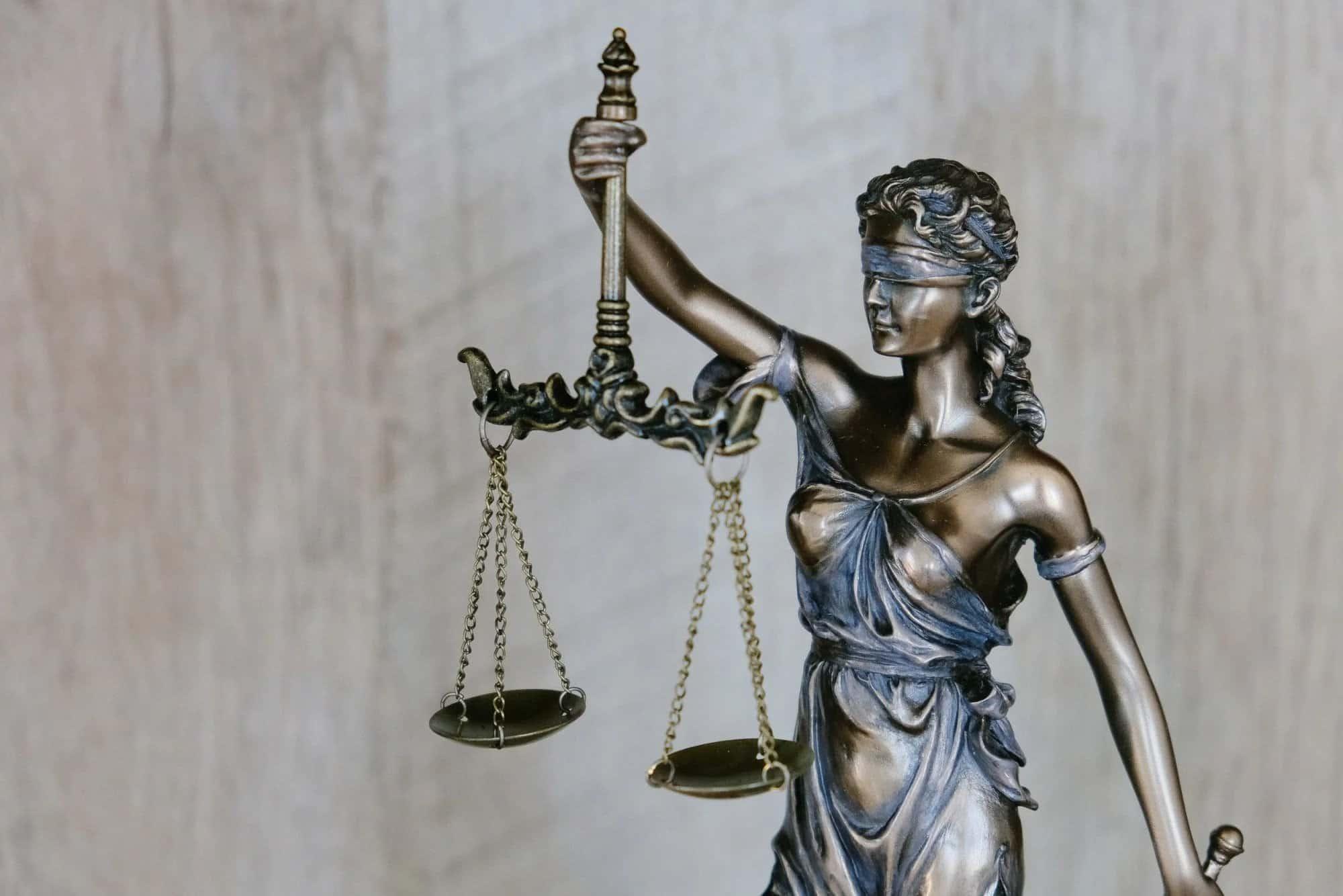 החלטה דרמטית במשרד המשפטים: קורונה אינה סיבה לביטול חוזה – כל הפרטים וההשלכות על ביטולי אירועים וגני ילדים