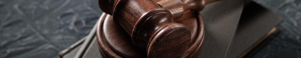 arbitration מתי כדאי לבחור בבוררות עסקית על פני שיטות אחרות של יישוב סכסוכים?